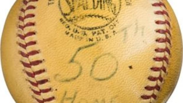 Willie Mays signed home run baseball – No. 50 baseball of 1965 season / No. 503 career. (Photo courtesy Heritage Auctions)