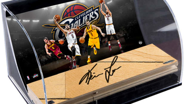 Upper-Deck-Authenticated-Exclusive-Signed-Autograph-Memorabilia-Kevin-Love-Cleveland-Cavaliers-Curve