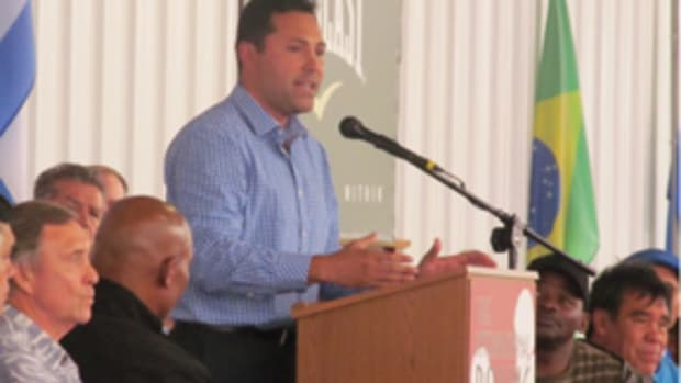 Oscar De La Hoya at the Champions Banquet. De La Hoya was a member of the Class of 2014. All photos by Rob Kunz.