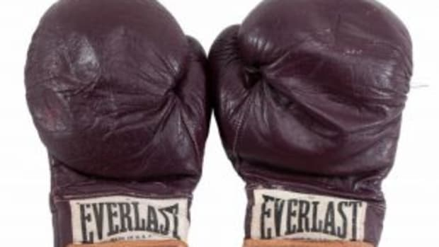 fightofcenturygloves