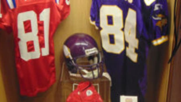 A Randy Moss locker display at the Pro Football Hall of Fame. (Robert Kunz photo)