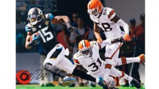 allen-robinson-autographed-inscribed-break-away-photo-83774