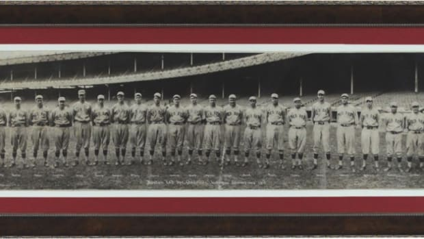 Red Sox Team photo w Ruth Rookie