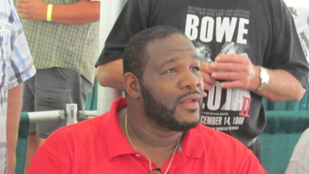 A member of the Class of 2015, Riddick Bowe made himself available for autographs throughout the weekend in Canastota, N.Y.