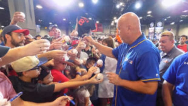 Hall of Famer Cal Ripken, Jr. was a popular autograph signer for fans in attendance at the Major League Baseball All-Star FanFest. (Barry Blair photos)
