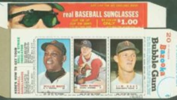 The 1966 Bazooka panels featuring baseball cards were placed on the boxes in a way that the right edge of the card on the far right was on the box fold.
