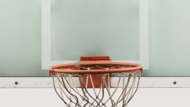1989_Michael_Jordan_The_Shot_Hoop_Backboard_Historic Buzzer-Beater_at_Cleveland_Cavaliers_Heritage_Auctions (1)