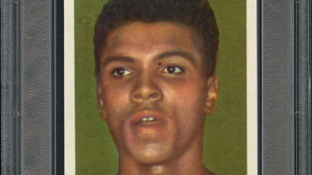 A 1960 Hemmets Journal Cassius Clay card.