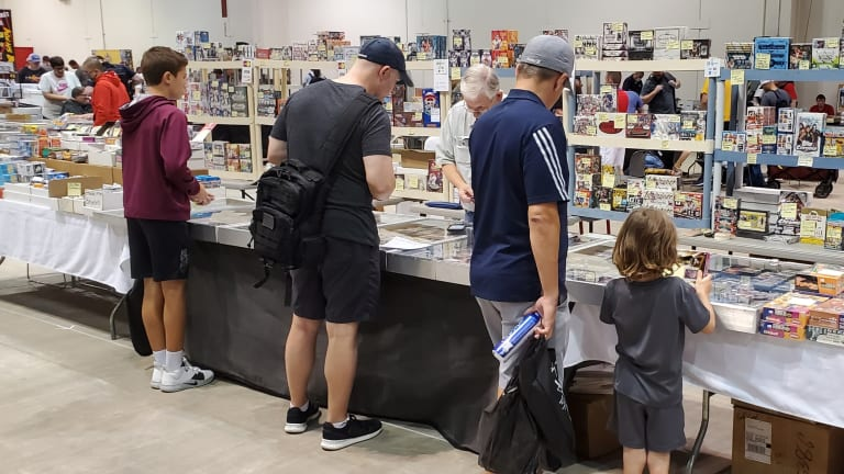 TRISTAR Houston Show draws record crowd with big names, hungry collectors