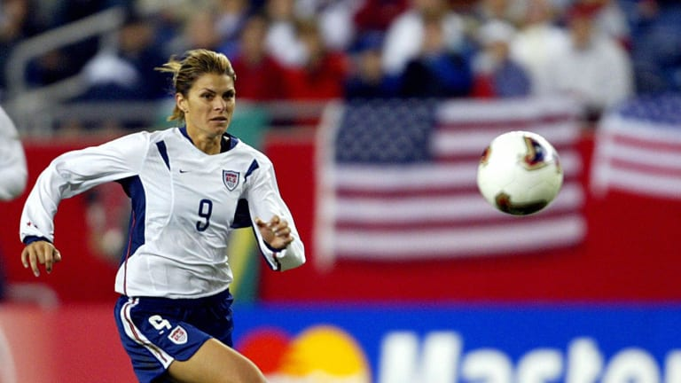 Mia Hamm rookie, soccer cards set records at Goldin Auctions