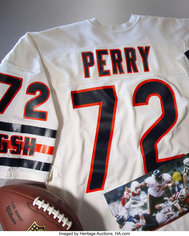William_Perry_Super_Bowl_XX_jersey_Heritage_Auctions_4