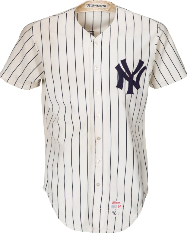 Thurman Munson jersey photomatched to 1976 ALCS and World Series.
