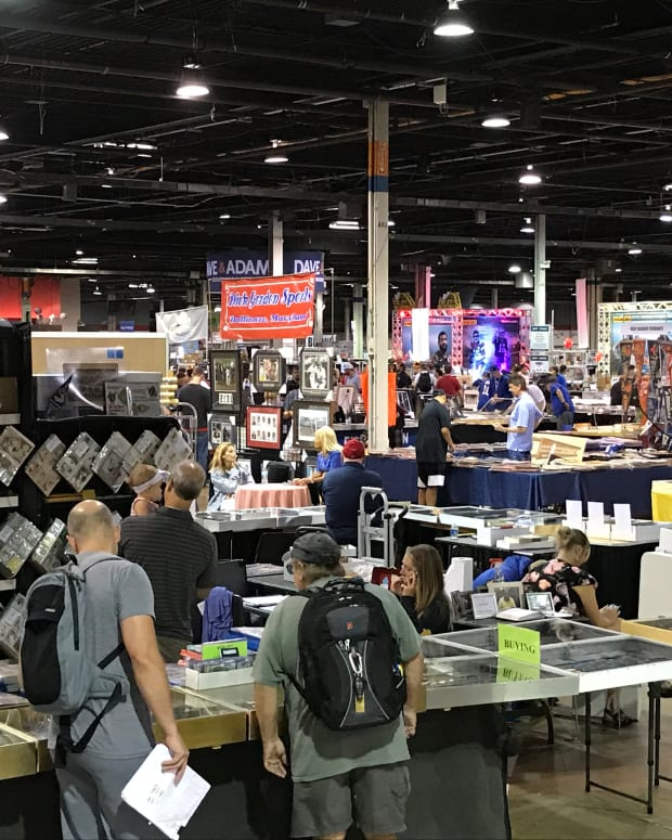 Collectors shop at the 2019 National.