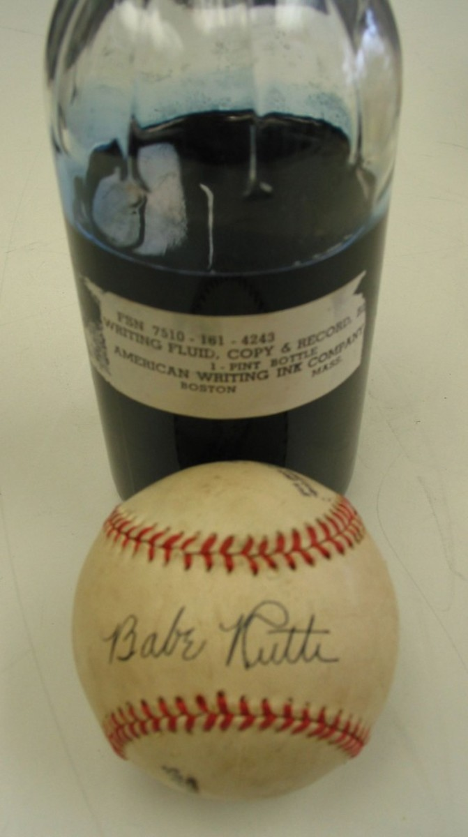 This Ruth autograph was written in blue-black ink that was produced in the era before his death, perfect for forging.