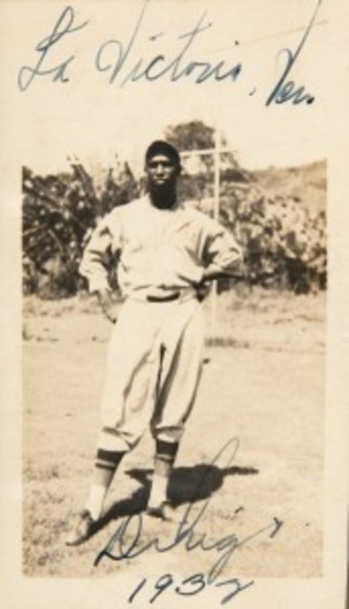 A 1932 signed/dated glossy photo of five-nation Hall of Famer Martin Dihigo (1906-1971) in Negro League baseball uniform, taken in Venezuela, 2.5 x 4.5 inches. Dihigo family provenance and COA. Est. $2,000-$5,000. Hake's image