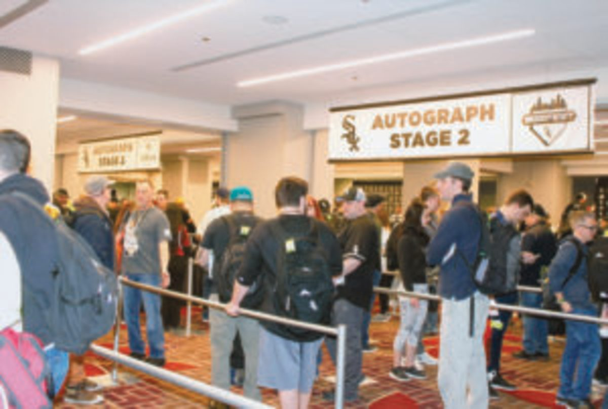 The autograph stages were popular places at SoxFest 2019.