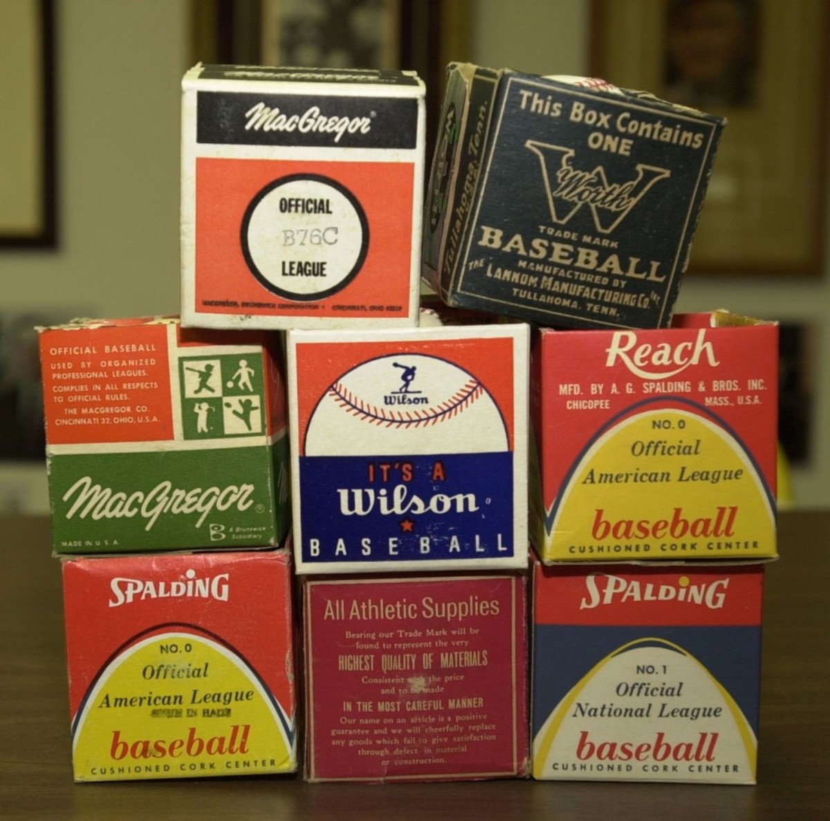 Balls with fake signatures and fake stamps were placed into fake vintage boxes, created by the forger.
