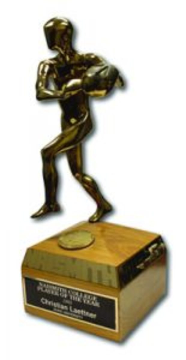 1992 Naismith Player of the Year Trophy. Image courtesy SCP Auctions