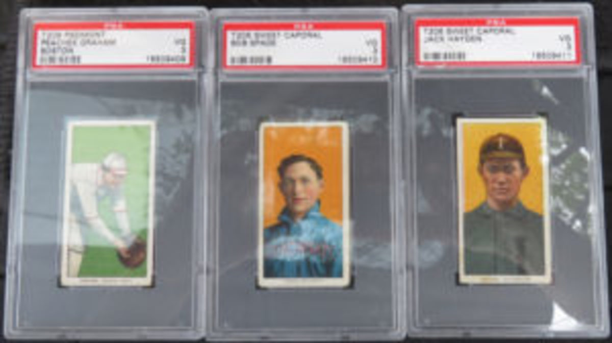 A sampling of the T206 cards found in the collection.