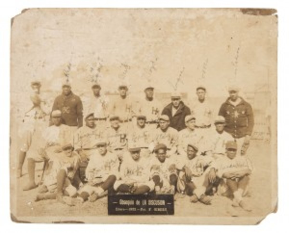 8 x 10in photo of 1923 Havana Lions Cuban baseball team autographed by five-nation Hall of Famer Martin Dihigo (1906-1971), shown back row, third from left. Possibly the earliest photographic depiction of Dihigo. Dihigo family provenance and COA. Est. $10,000-$20,000. Hake's image