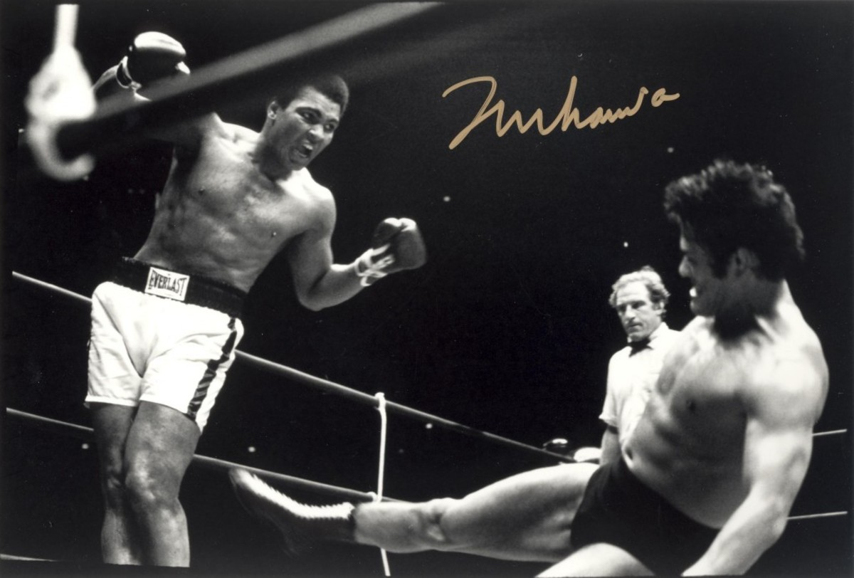 The most valuable signature in boxing: Muhammad Ali. This one is forged.