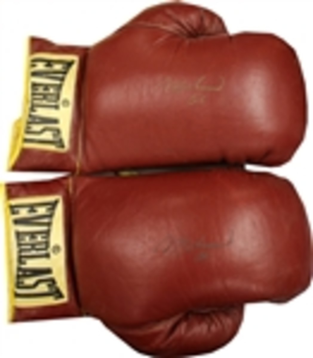 Muhammad Ali Everlast Gloves Both Signed