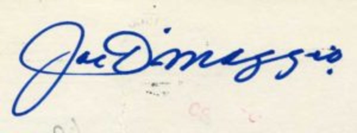 Joe DiMaggio signature on a government postcard dated 1987.
