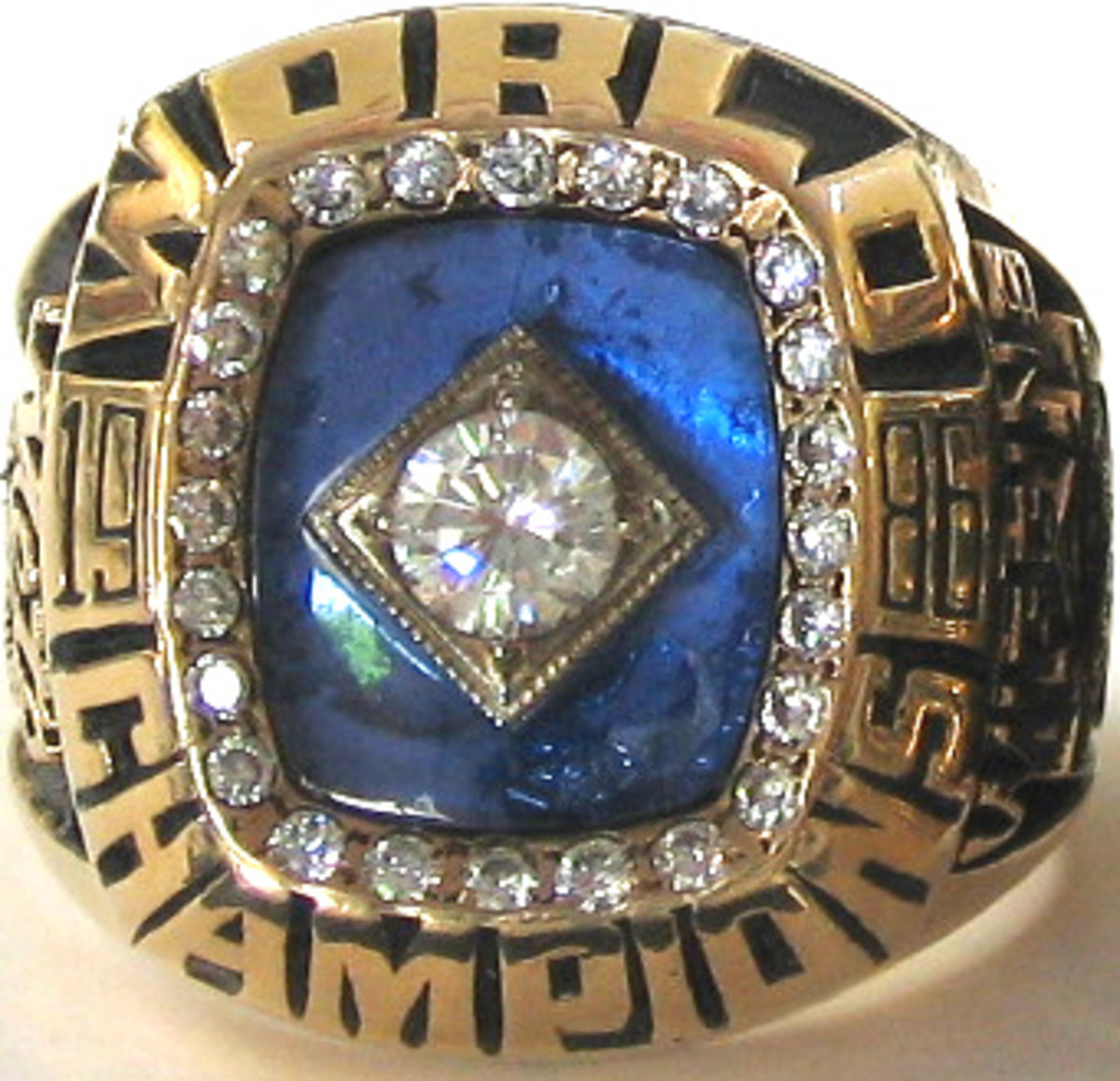 Many 1986 Mets World Series Rings suffer from a discoloring of the blue sapphire stone.
