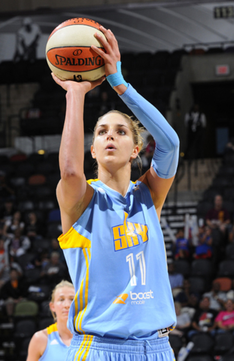 In her first year in the WNBA, Delle Donne averaged 18 points and five rebounds per game. Chicago Sky photo.