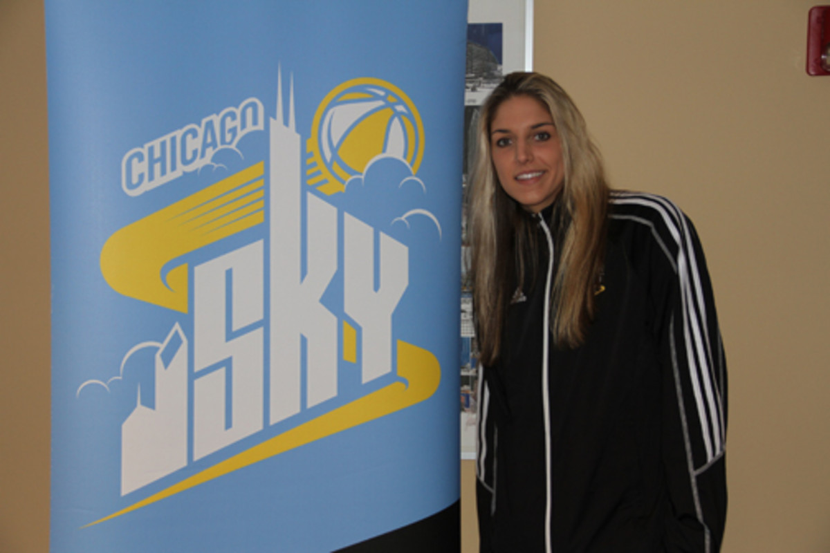 Elena Delle Donne is a willing signer for autograph fans, but she isn't big on collecting herself, sticking to just a few trading cards. Ross Forman photo.