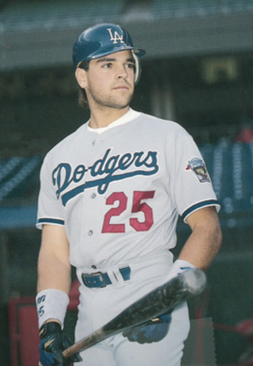 Mike Piazza broke in with the Dodgers, with a little help from Tommy Lasorda.