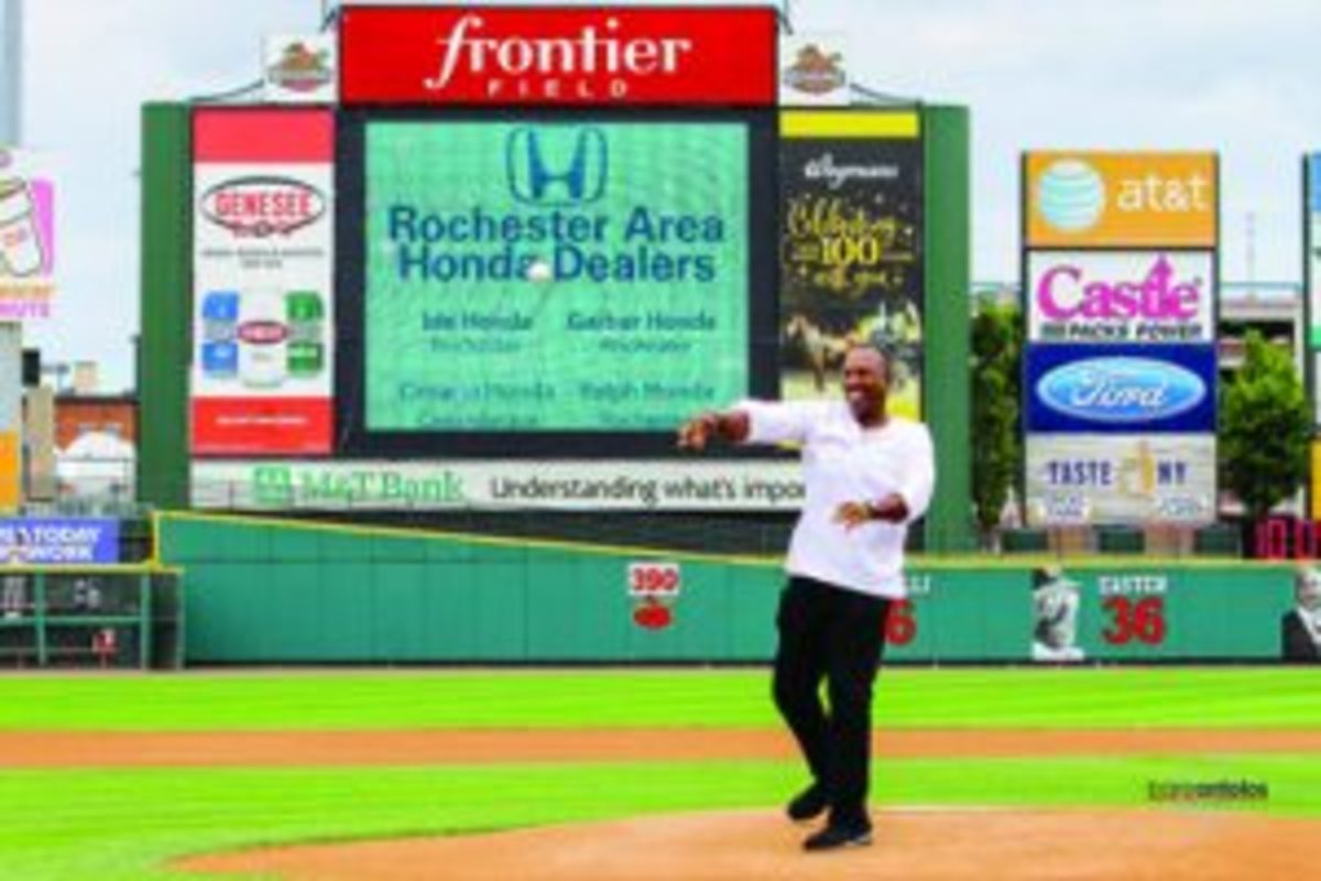 Joe Carter still enjoys the accolades that have come with this history making home run. Photo Credit: Bare Antolos/RedWingsBaseball.com