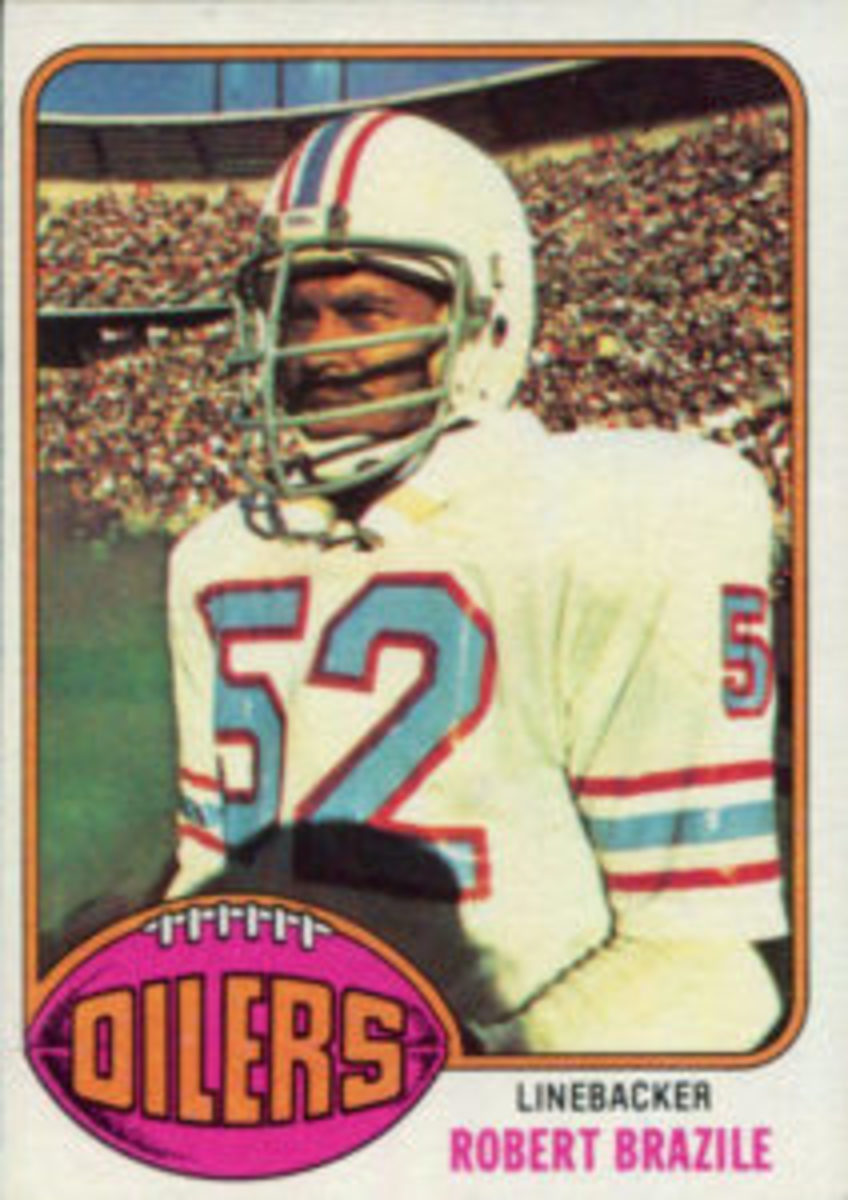 Robert Brazile's rookie card is No. 424 from the 1976 Topps Football set.