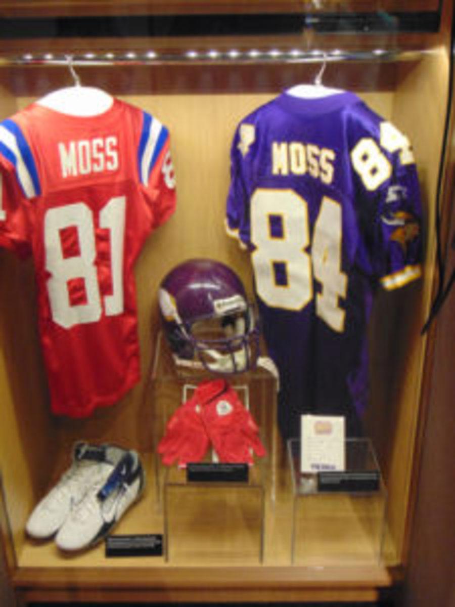 A Randy Moss locker display at the Pro Football Hall of Fame. (Robert Kunz photo)