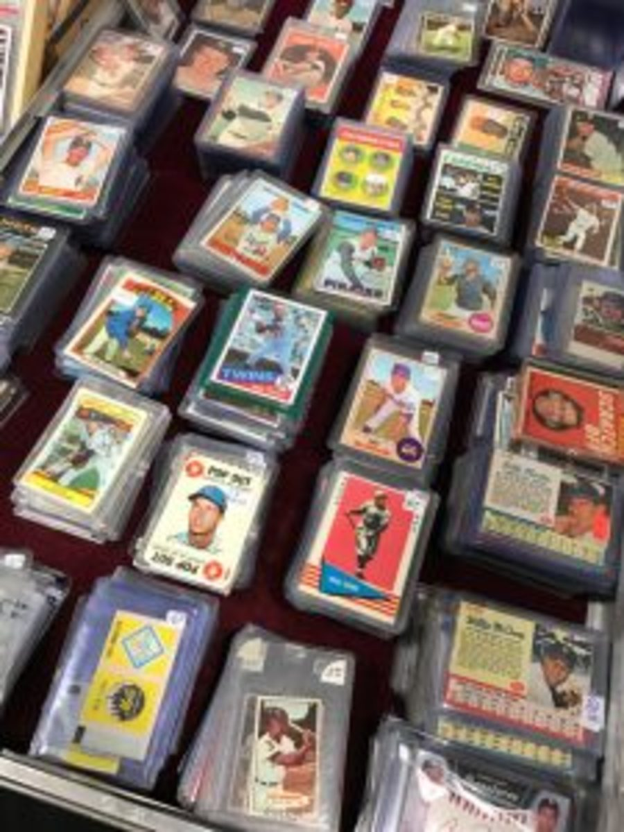 There was a plethora of vintage baseball cards available at the Nashville Sports Cards and Collectibles Show.