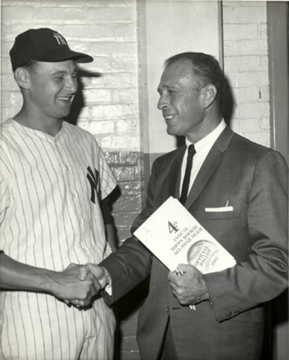 Tom Tresh and Sy Berger when Tresh was featured on the Topps All-Rookie team in 1962.