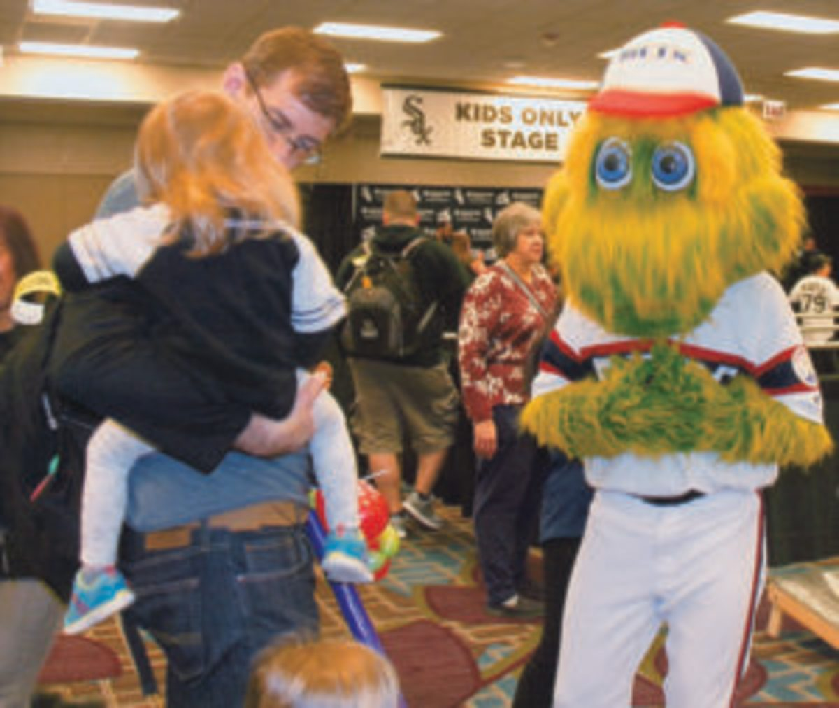"""Chicago White Sox team mascot """"Southpaw"""" spends time with fans at SoxFest 2019."""