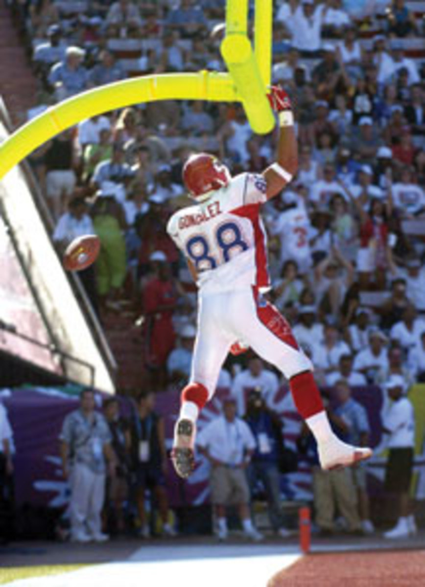 A former college basketball player, Tony Gonzalez rose to new heights as arguably the best tight end in NFL history. Photo by Kirby Lee/Getty Images