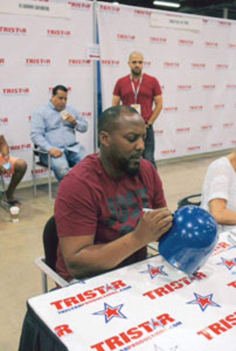 Vladimir Guerrero is great at signing autographs, and even better as a dad.