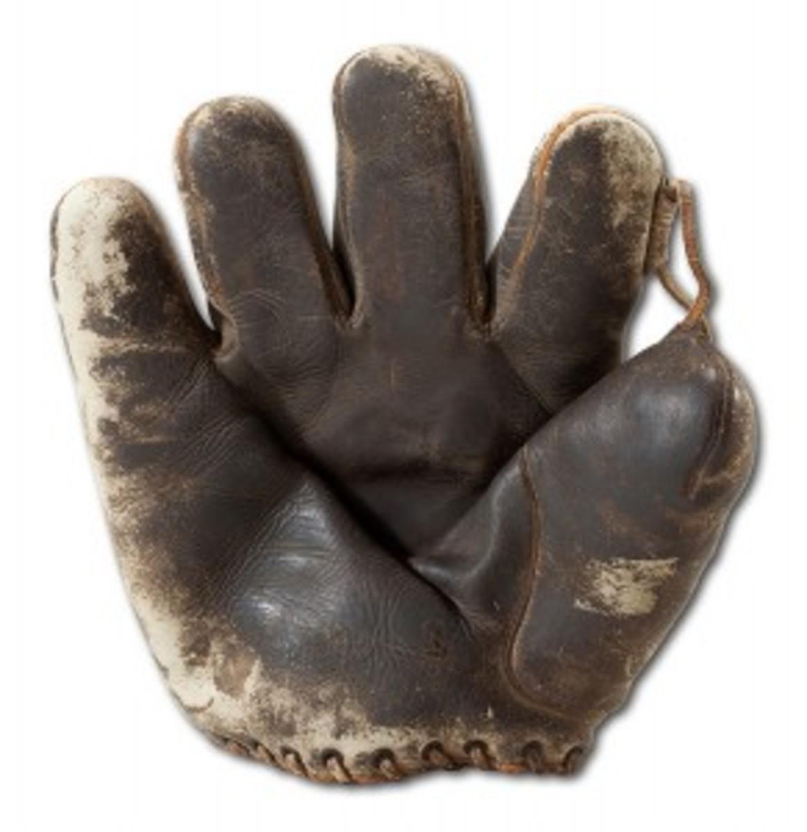 Herb Pennock 1927 Glove