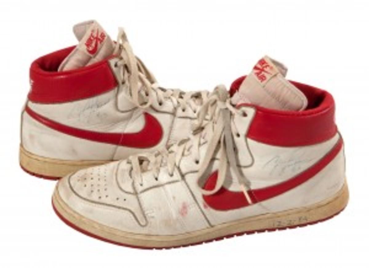 MJ 1984 Nike Air Shoes