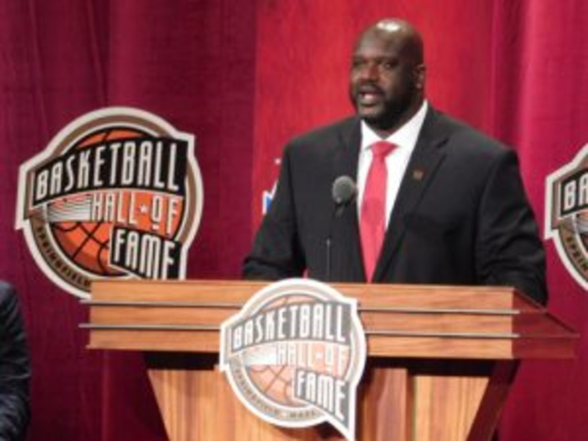 Shaquille O'Neal addresses those in attendance during his induction speech.