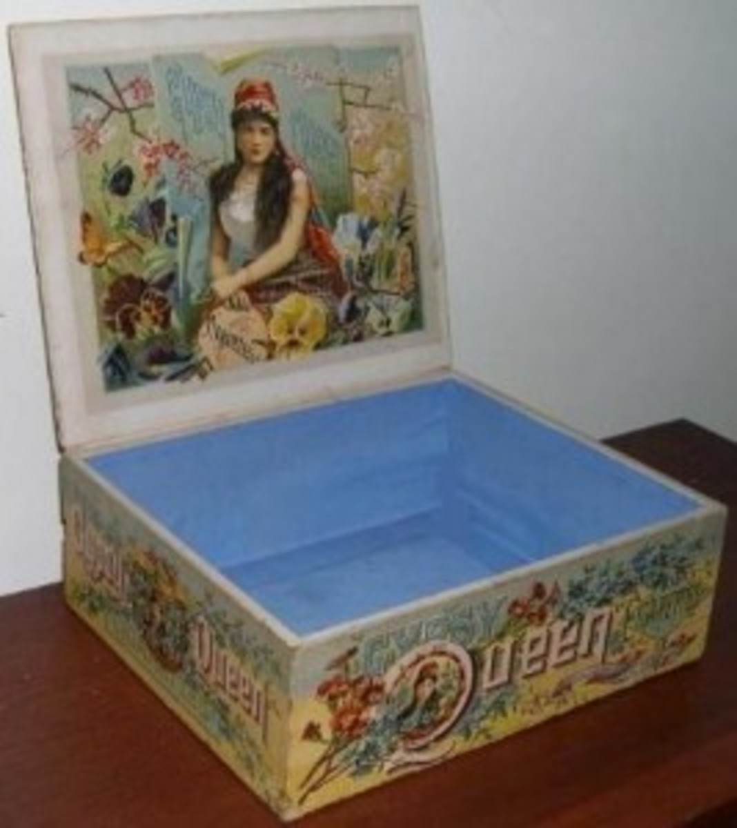 The redesigned Gypsy Queen display box for 1888 and an example of the N162 card the boxes held (below).