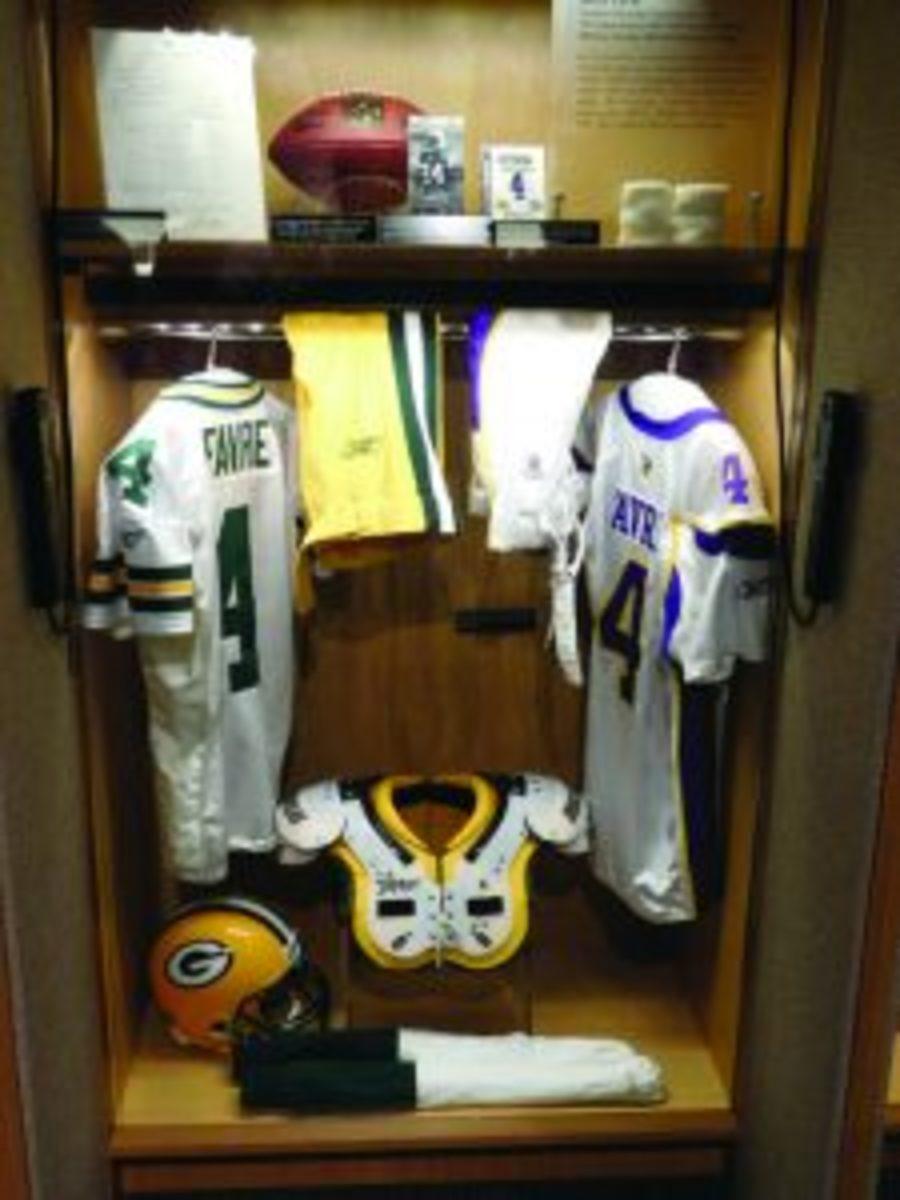 Favre HOF locker