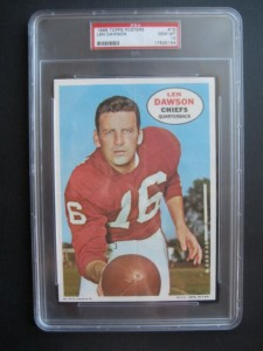 A Topps Football card haul from a 7-Eleven unearthed this PSA 10 Len Dawson, one of only four reported among 1967 Topps Baseball and 1968 Topps Football posters.