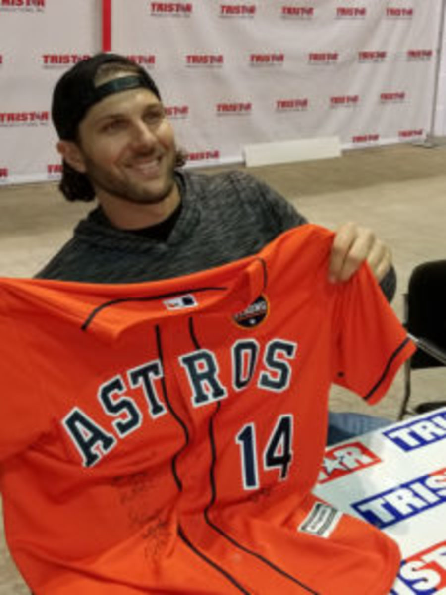 Fans of the Houston Astros who were looking to get memorabilia signed by members of the 2017 championship Astros team were in luck at the 32nd Tristar Collectors Show in Houston. (Ross Forman photos)