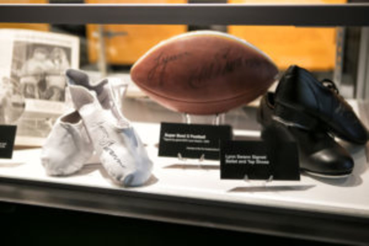 """Lynn Swann autographed items on display in """"The Dancing Athlete"""" exhibit. (Studio di Luce photo)"""