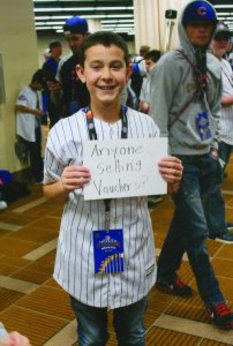 A new format for obtaining autographs at the Cubs Convention created a secondary market for the highly prized autograph vouchers.