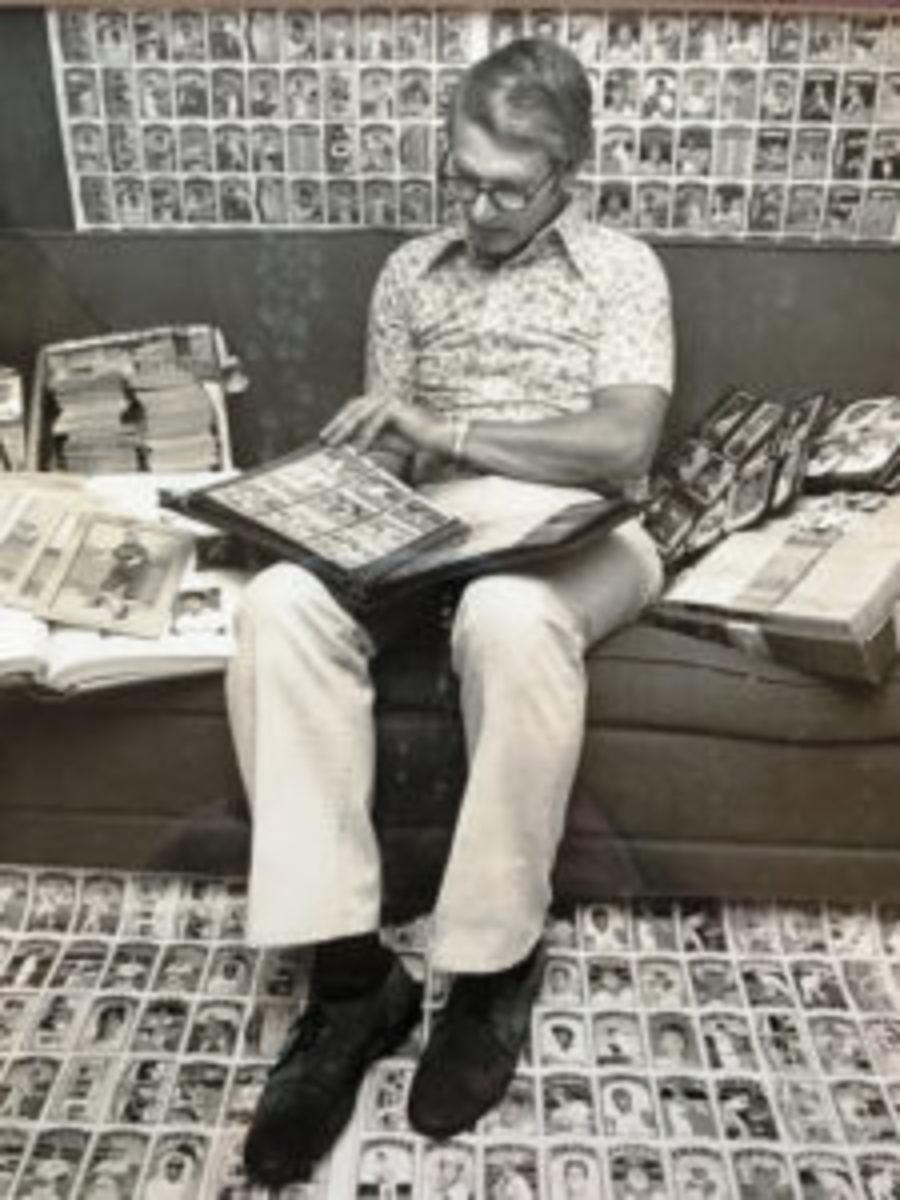 Gar Miller in a sea of cards in 1975. (Bob Bartosz photo)