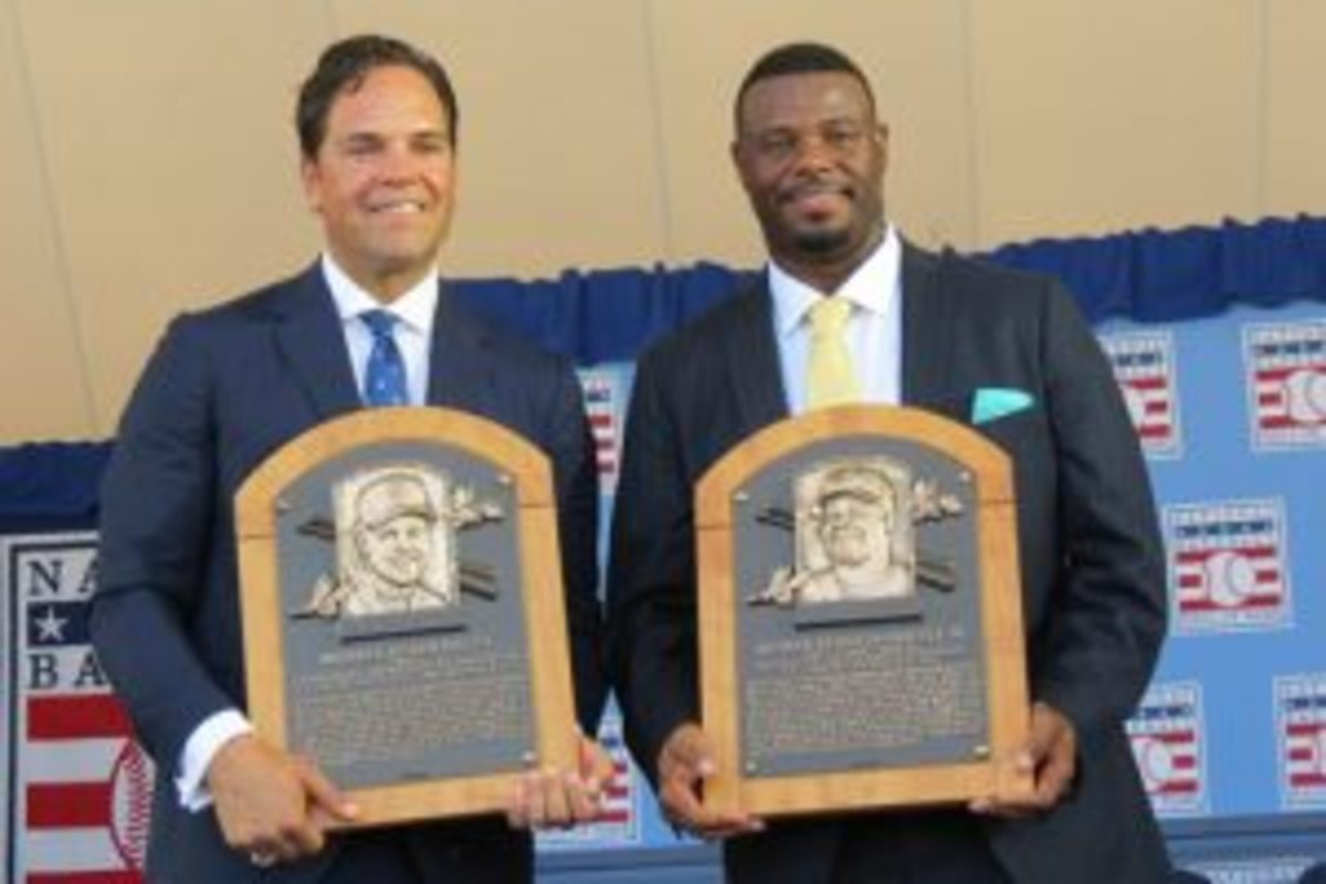 2016 HOF inductees with plaques